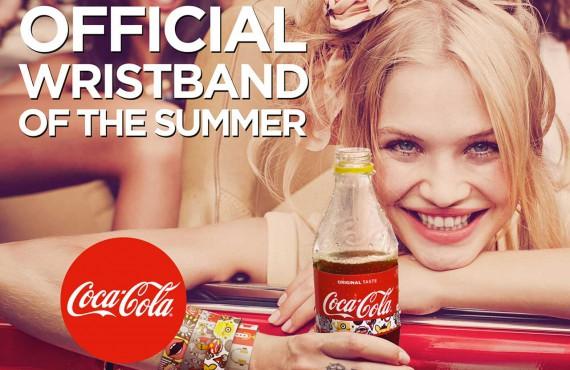 L'etichetta Coca-Cola diventa il braccialetto-pass per i Music Festival