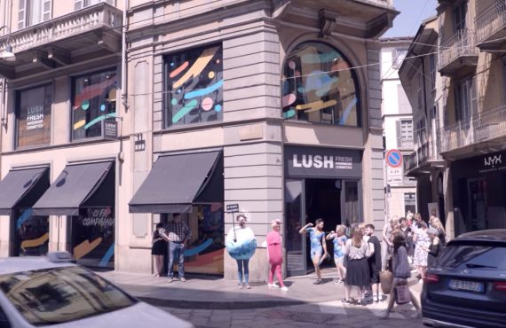 Lush dice addio al packaging e apre il primo Naked…